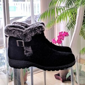 SUEDE LADIES BOOTS